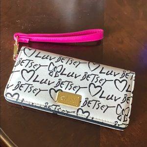 Beth Johnson wallet
